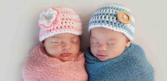 wyprawka-dla-dziecka-wyprawka-dla-noworodka-kolory-niebieski-dla-chlopca-rozowy-dla-dziewczynki-.jpg